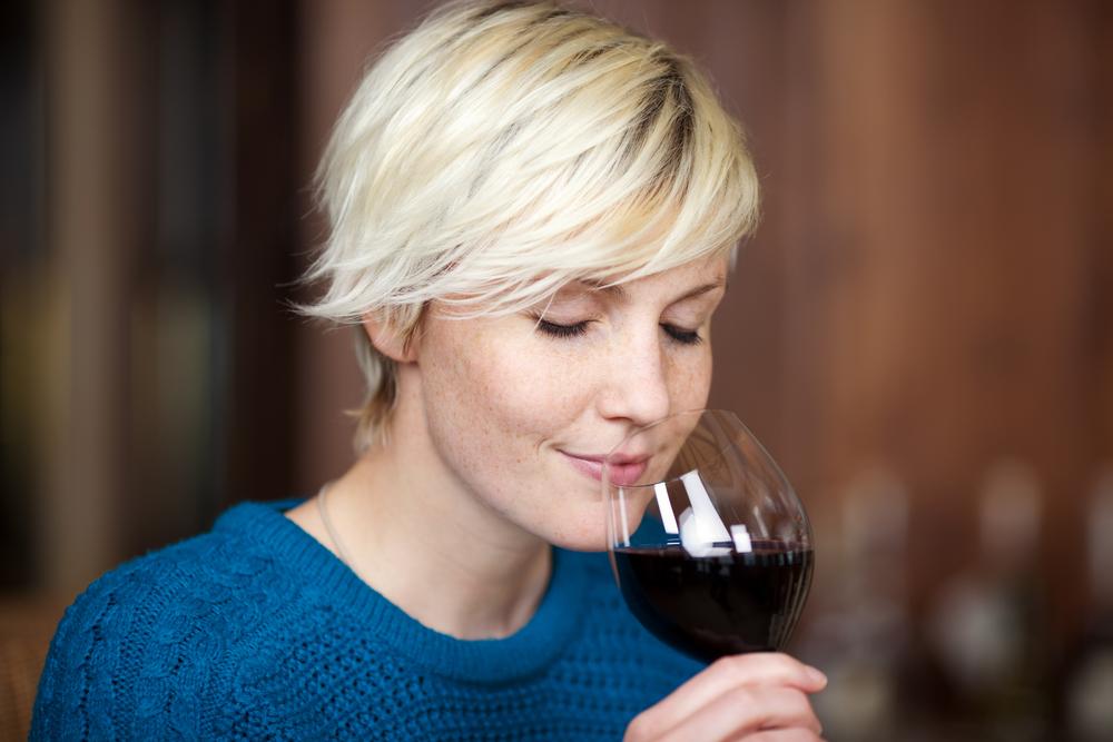 бокал вина перед сном польза или вред