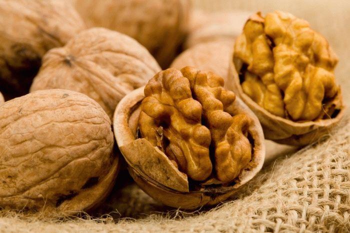 чем полезен грецкий орех для кормящих мам