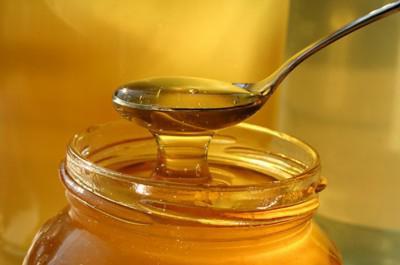чем полезен мед и как его правильно употреблять