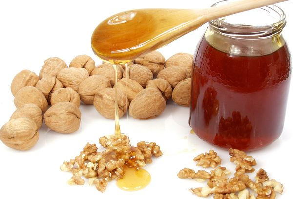 чем полезен мед с грецкими орехами для женщин