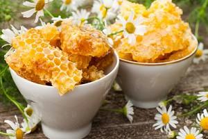 чем полезен пчелиный воск какие болезни лечит