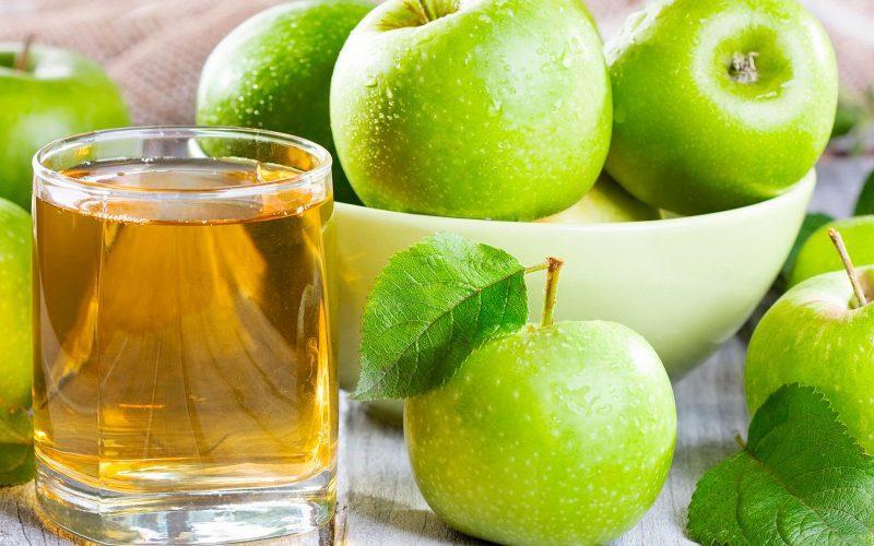 чем полезен яблочный сок и как его пить