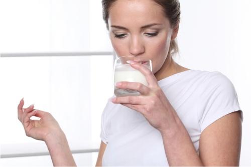молоко при простуде польза или вред