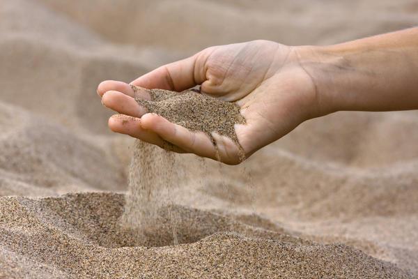 песок в огороде польза или вред