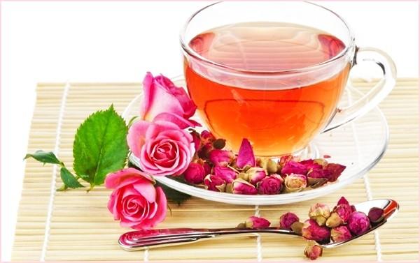 чай из лепестков роз полезные свойства и противопоказания