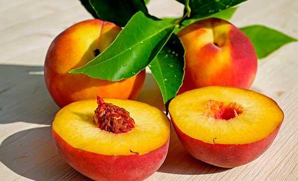 персики и нектарины польза и вред