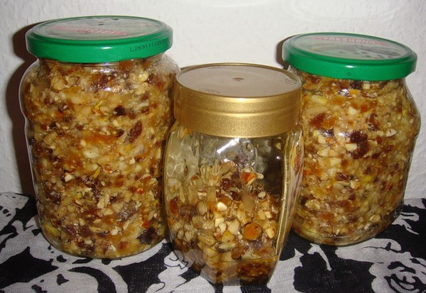 полезные свойства смеси из сухофруктов с грецкими орехами