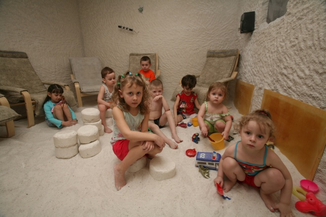соляная комната комаровский польза и вред