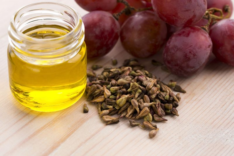 виноградной косточки масло полезные свойства для кожи лица