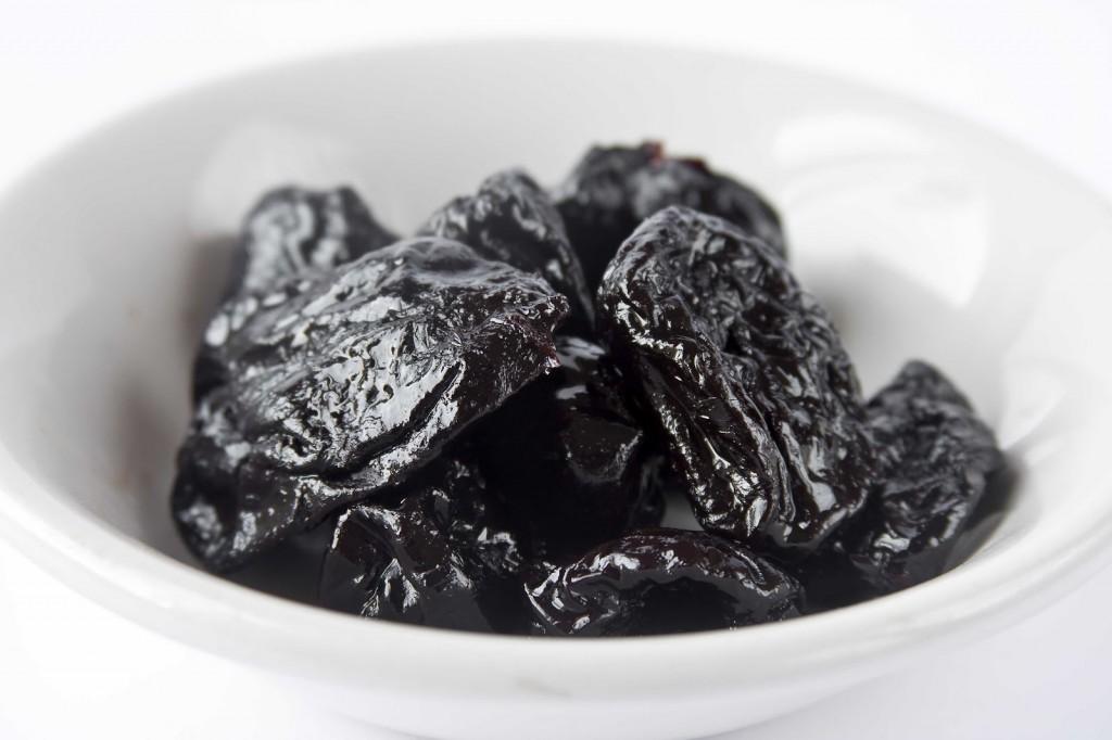 чернослив для печени польза и вред