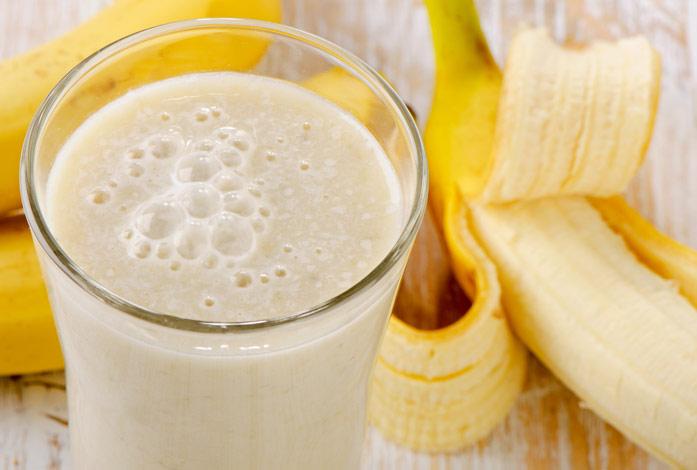 коктейль из молока и банана чем полезен
