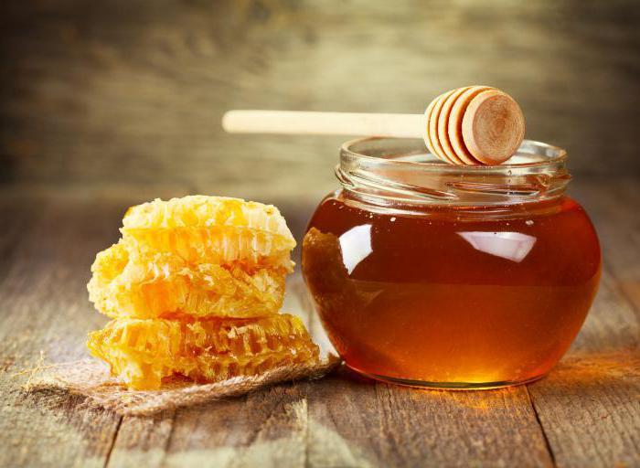 при какой температуре воды мед теряет полезные свойства