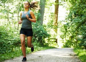 бег по утрам для девушек чем полезен