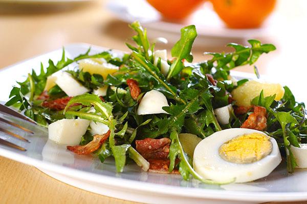 листья одуванчика рецепт салат полезные свойства и противопоказания