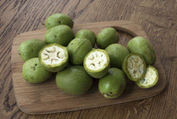 настойка зеленый грецкий орех полезные свойства и противопоказания