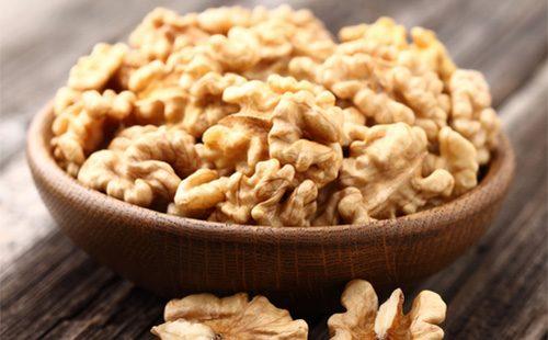 варенье с грецкими орехами полезные свойства и противопоказания